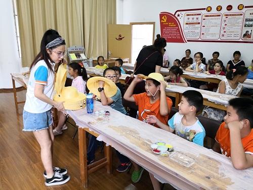 九里亭亭汇社区暑期草帽DIY活动