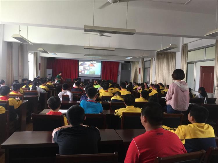 """佘山镇团委开展联校活动""""青春无毒 健康成长"""""""